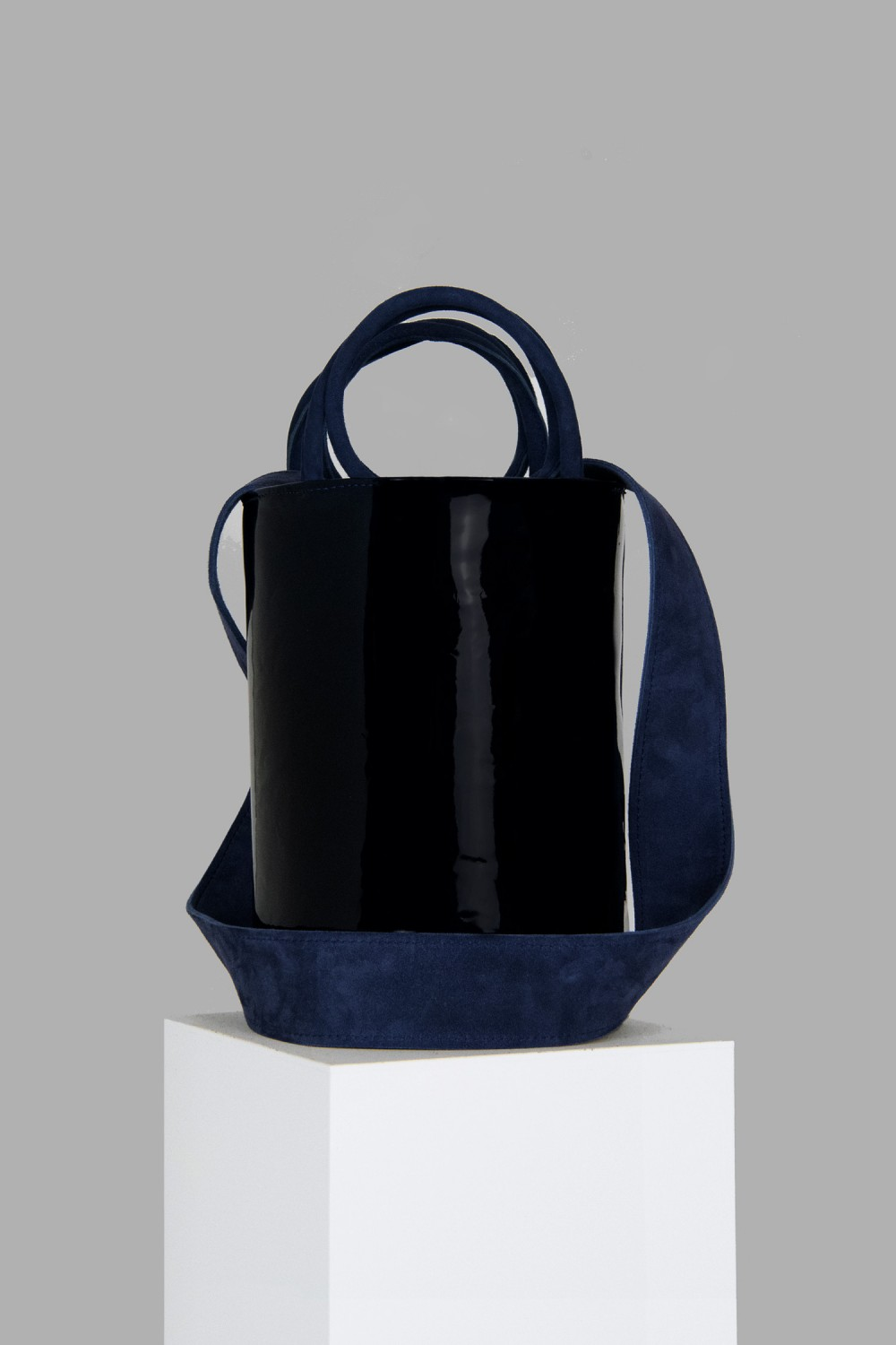 XL Kyklos Navy Patent Leather Bag