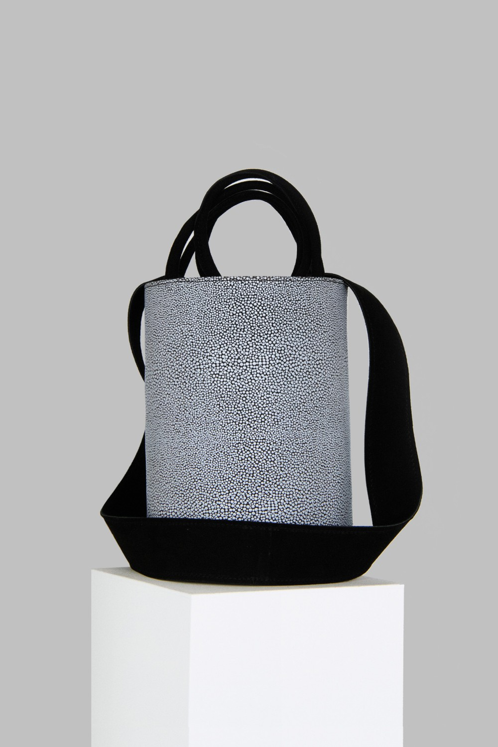 XL Kyklos Black and White Stingray Embossed Leather Bag